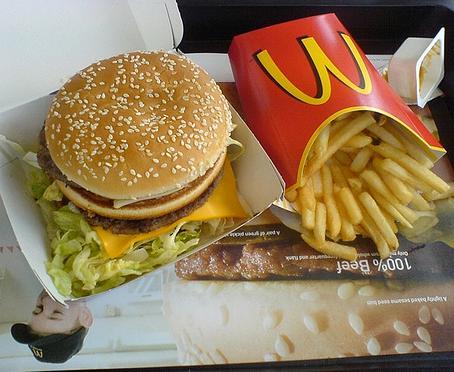 Nouvel ingrédient dans les hamburgers de McDonald's : la chenille !