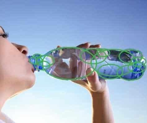 Danone & Nestlé Waters créent l'Alliance NaturALL Bottle pour des bouteilles 100% bio-sourcées