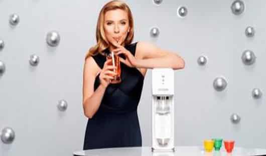 Scarlett Johansson, première ambassadrice de Sodastream
