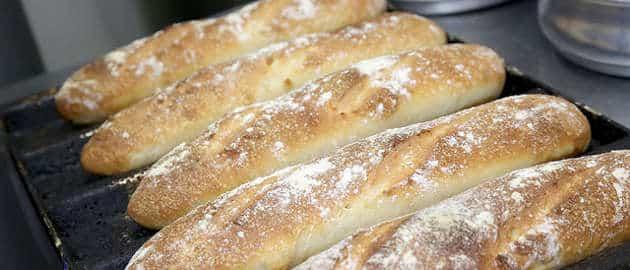 La nouvelle usine de la marque Bridor, implantée près de Laval, va produire jusqu'à 15 000 tonnes de pain par an.