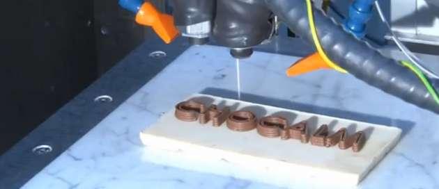 Le coût des imprimantes 3D est aujourd'hui trop élevé mais il devrait décroître dans les années à venir.