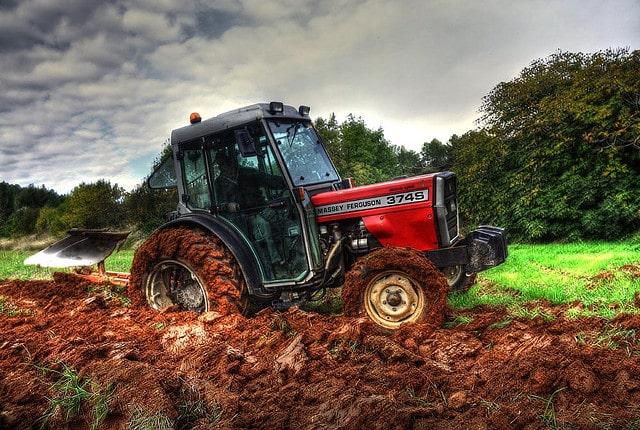 Agrial développe un partenariat avec WeFarmUp, la plateforme de location de matériel agricole