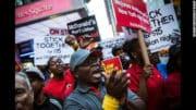 Fast-food: les employés new-yorkais de Mc Donald's et Burger King en grève pour dénoncer leurs conditions de travail