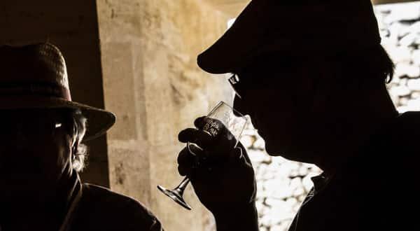 Vin: il rendrait le quotidien des Français plus «festif» et «agréable»