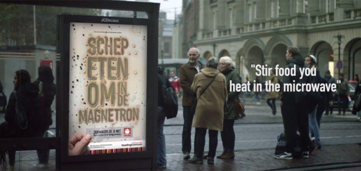 Composé de bactéries, ce panneau publicitaire vous met en garde contre l'intoxication alimentaire