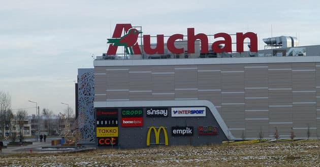 Les bénéfices d'Auchan dégringolent