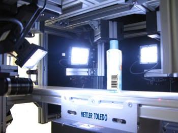 Contrôle d'intégrité d'un produit par vision artificielle pour l'étiquetage, le sellage et le marquage