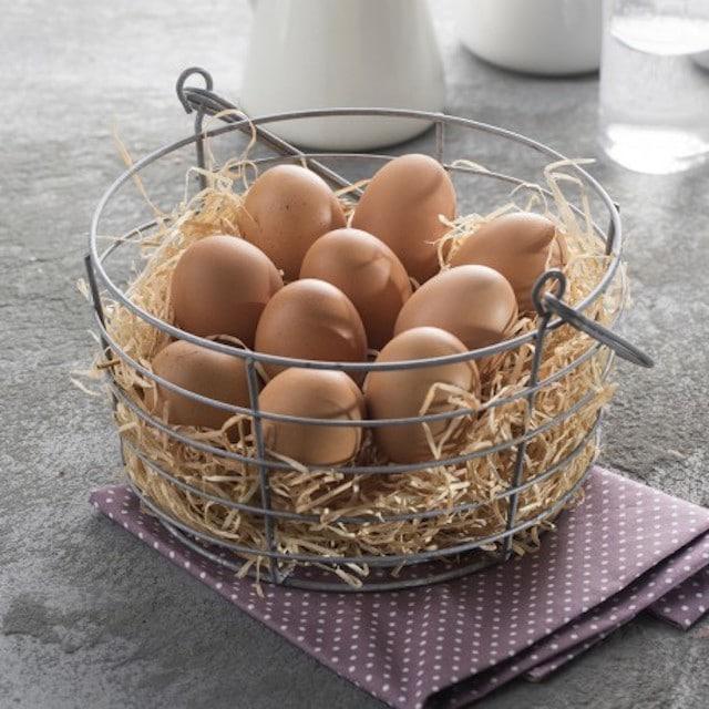 Auchan Retail France ne commercialisera plus d'oeufs issus de l'élevage en cages d'ici à 2025