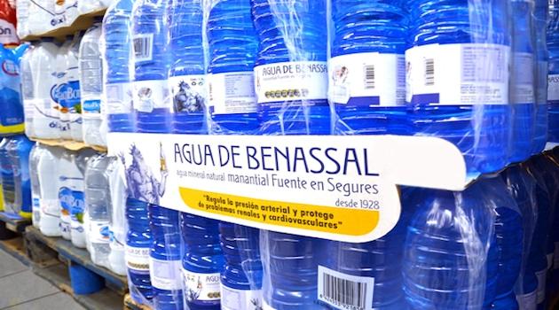 Agua de Benassal augmente ses ventes de 10% grâce au service ShelfSmart de Smurfit Kappa